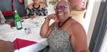 Viviane Émigré a profité de cette dernière journée non confinée pour aller au restaurant avec des amis à Cayenne.