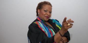 Une fanm djok, Sylviane Cédia vit sa vie avec passion et va toujours de l'avant (crédit photo : Henri Griffit, avec l'aimable autorisation de Sylviane Cédia)